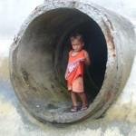 Enfant-au-tuyau-Photo-1
